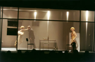 THEATHER_duas-mulheres-teatro-02