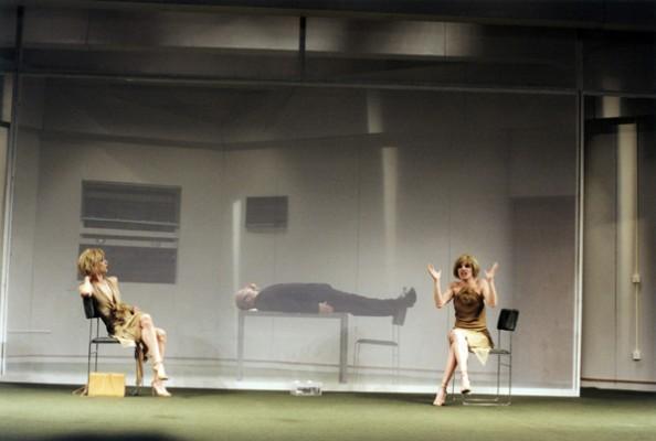 THEATHER_duas-mulheres-teatro-08-594x400